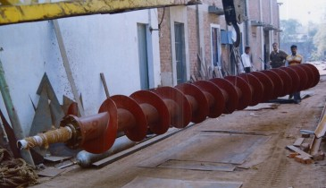 Manufacturer & Supplier of Industrial Custom Steel Fabricated Screw Conveyor in India
